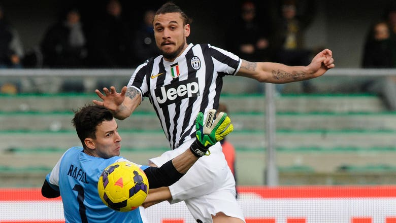 Osvaldo gives Juventus 1-0 advantage