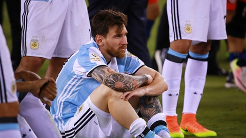 EAST RUTHERFORD, NEW JERSEY - JUNE 26: Lionel Messi of Argentina reacts after losing the championship match between Argentina and Chile at MetLife Stadium as part of Copa America Centenario US 2016 on June 26, 2016 in East Rutherford, New Jersey, US. (Photo by Hector Vivas/LatinContent/Getty Images)