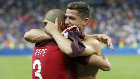 Mexico Snatches Late 2-2 Draw against Portugal in FIFA Confederations Cup