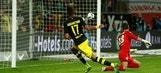 Aubameyang gives Dortmund 2-0 lead over Wolfsburg | 2016-17 Bundesliga Highlights