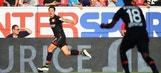 Chicharito scores dramatic stoppage-time winner   2016-17 Bundesliga Highlights
