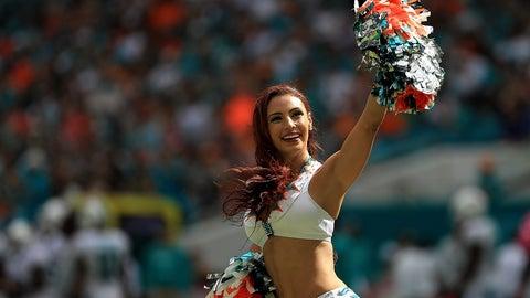 NFL cheerleaders in pictures -- Week 5