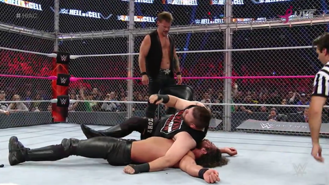 Kevin Owens defeats Seth Rollins to retain the Universal Championship
