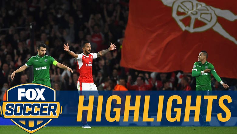 Walcott nets outside-the-box curler for Arsenal | 2016-17 UEFA Champions League Highlights