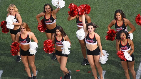 UNLV cheerleaders