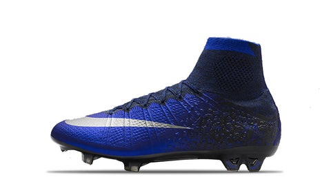 2016 — Mercurial Superfly IV CR7 Natural Diamond