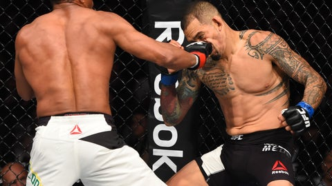 UFC 198: Trinaldo v Medeiros