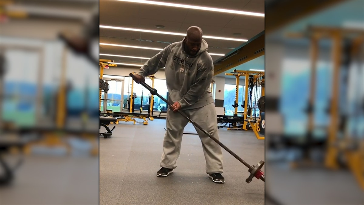James Harrison 'shoveling' in new Instagram video