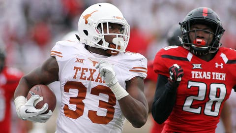 Texas RB Foreman reveals he lost a son during 2017 season