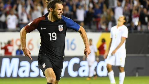 Can Graham Zusi really be a right back?