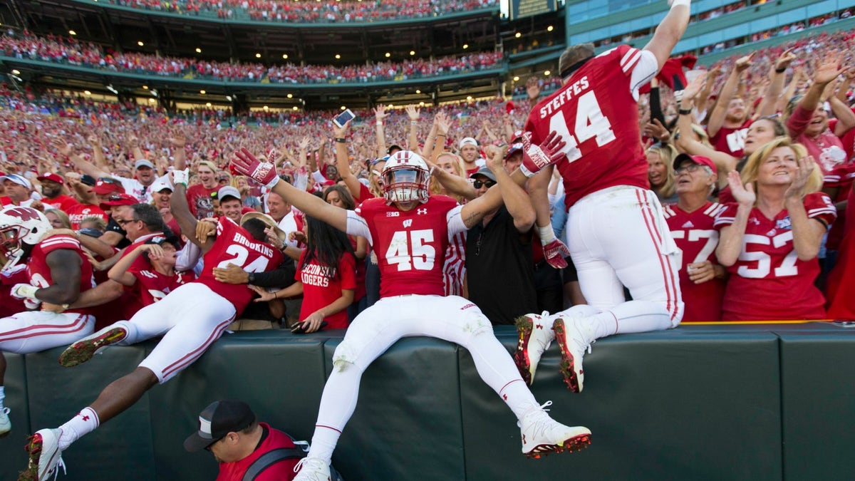 football games on tomorrow wisconsin football odds
