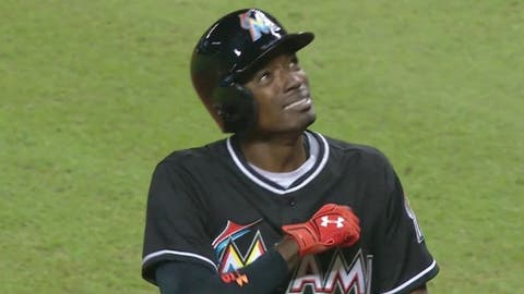 Dee Gordon breaks down after hitting leadoff homer in first game after Jose Fernandez's death