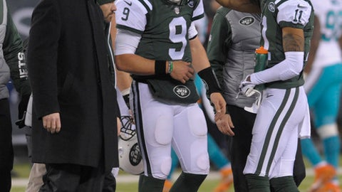 New York Jets quarterback Bryce Petty (9) walks off the field after an injury during the fourth quarter of an NFL football game against the Miami Dolphins, Saturday, Dec. 17, 2016, in East Rutherford, N.J. (AP Photo/Bill Kostroun)