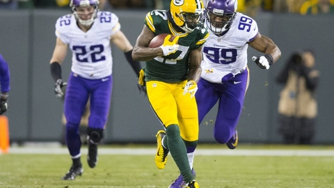Jan 3, 2016; Green Bay, WI, USA; Green Bay Packers wide receiver Davante Adams (17) rushes with the football after catching a pass during the second quarter against the Minnesota Vikings at Lambeau Field. Mandatory Credit: Jeff Hanisch-USA TODAY Sports