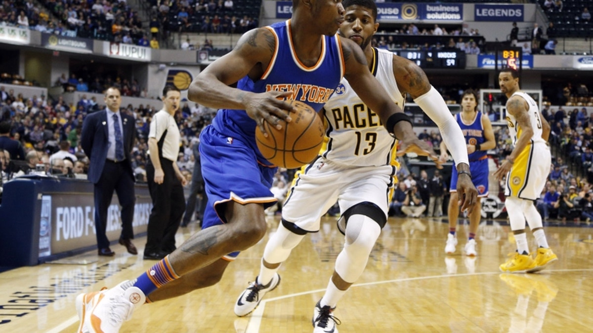 9246975-paul-george-cleanthony-early-nba-new-york-knicks-indiana-pacers.vresize.1200.675.high.0
