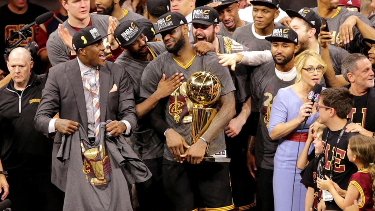 9349743-lebron-james-nba-finals-cleveland-cavaliers-golden-state-warriors.vresize.1200.675.high.0