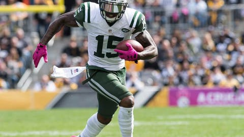 Oct 9, 2016; Pittsburgh, PA, USA; New York Jets wide receiver Brandon Marshall (15) runs after making a catch during the second quarter of a game against the Pittsburgh Steelers at Heinz Field. Pittsburgh won 31-13. Mandatory Credit: Mark Konezny-USA TODAY Sports