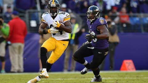 Nov 6, 2016; Baltimore, MD, USA;  Pittsburgh Steelers wide receiver Antonio Brown (84) runs after the catch as Baltimore Ravens outside linebacker Albert McClellan (50) chases during the fourth quarter at M&T Bank Stadium. Baltimore Ravens defeated Pittsburgh Steelers 21-14. Mandatory Credit: Tommy Gilligan-USA TODAY Sports