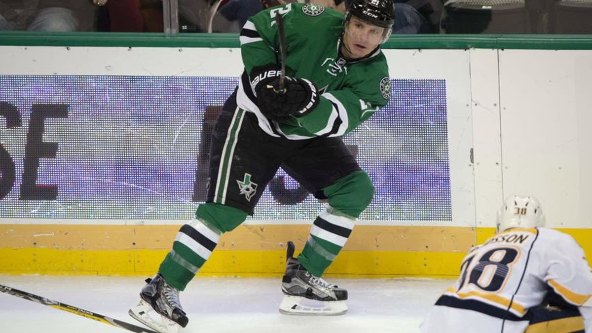 9733142-antoine-roussel-nhl-nashville-predators-dallas-stars.vresize.1200.675.high.0