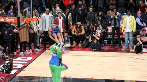 This picture of Aaron Gordon leaping over a mascot in the Slam Dunk Contest doesn't seem real