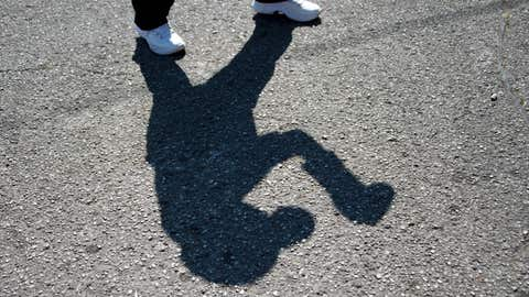 NoName: shadow boxing