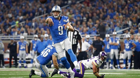 Lions QB Matthew Stafford's patented sidearm release in a comeback win over the Vikings