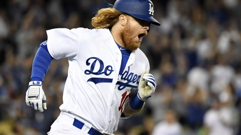 "Justin Turner (Dodgers): Ed Sheeran ""Shape of You"""
