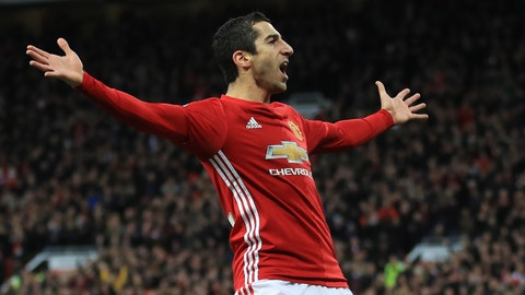 MANCHESTER, ENGLAND - DECEMBER 11:  Henrikh Mkhitaryan of Manchester United celebrates scoring the opening goal during the Premier League match between Manchester United and Tottenham Hotspur at Old Trafford on December 11, 2016 in Manchester, England.  (Photo by Richard Heathcote/Getty Images)