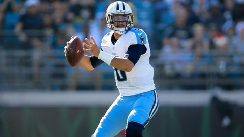 JACKSONVILLE, FL - DECEMBER 24: Marcus Mariota #8 of the Tennessee Titans in action during the first half of the game against the Jacksonville Jaguars at EverBank Field on December 24, 2016 in Jacksonville, Florida. (Photo by Rob Foldy/Getty Images)