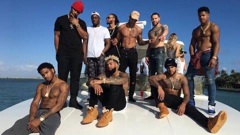 Giants: Hole in boat