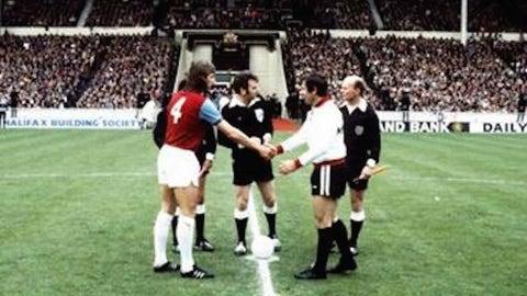 Fulham, 1975