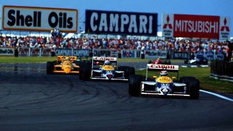 Mansell closes in