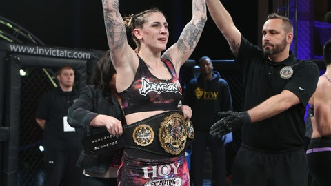 Cris Cyborg: Everyone Knows She's the 145-Pound Champion
