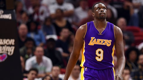 Luol Deng critical of President Trump's travel and immigration ban