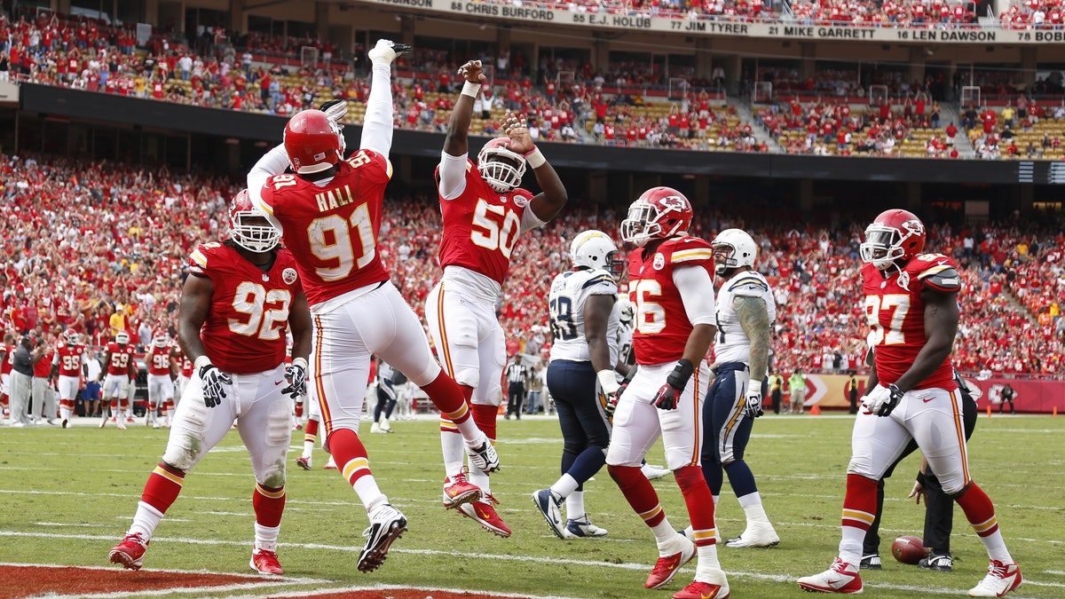 153119135-san-diego-chargers-v-kansas-city-chiefs.vresize.1200.675.high.0
