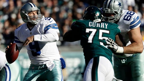 Dallas Cowboys' Tony Romo, left, passes during the first half of an NFL football game against the Philadelphia Eagles, Sunday, Jan. 1, 2017, in Philadelphia. (AP Photo/Michael Perez)