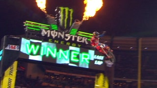 450 SX: Ryan Dungey Takes Points Lead with Win - Anaheim 2 2017