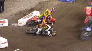 SX: Jason Anderson Shoves Vince Friese After On-Track Incident - Anaheim 2 2017