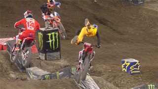 SX: Ken Roczen Suffers Hard Crash - Anaheim 2 2017
