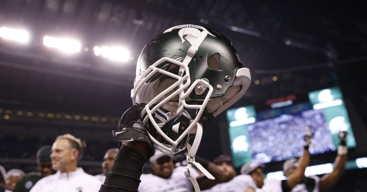 8978067-ncaa-football-big-ten-championship-iowa-vs-michigan-state.vresize.1200.630.high.0