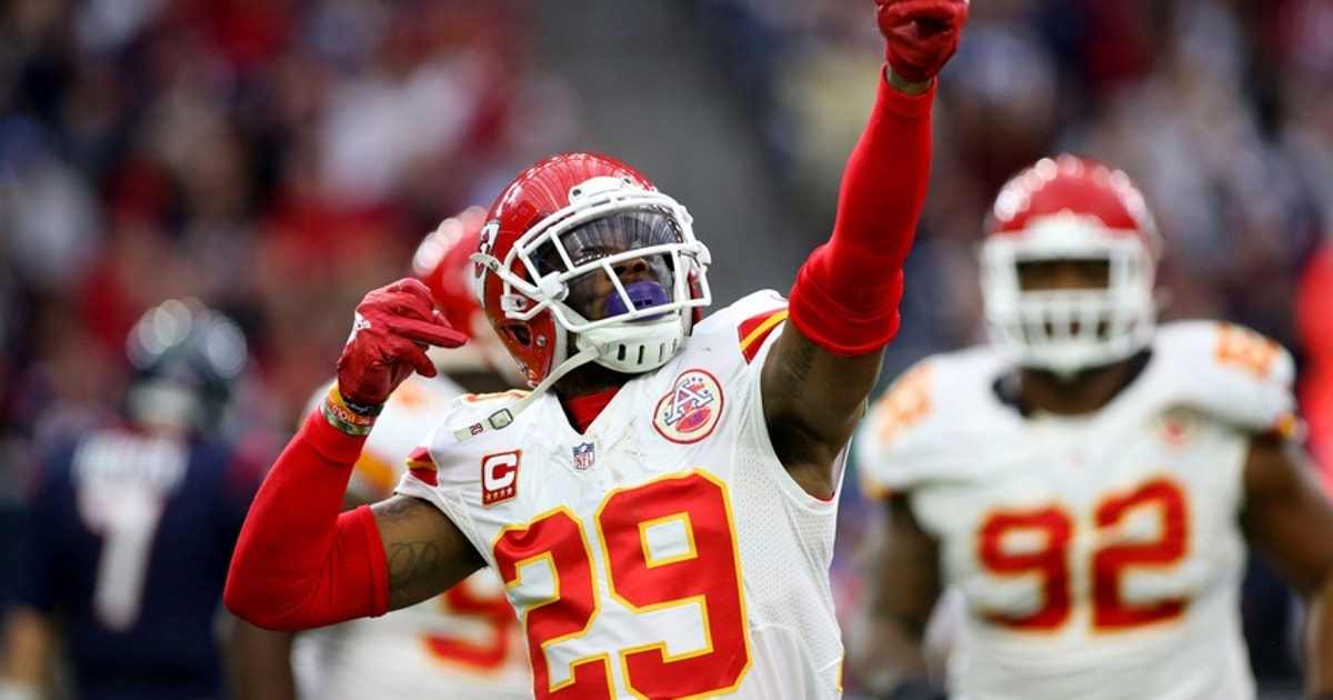 9046649-eric-berry-nfl-afc-wild-card-kansas-city-chiefs-houston-texans.vresize.1200.630.high.0