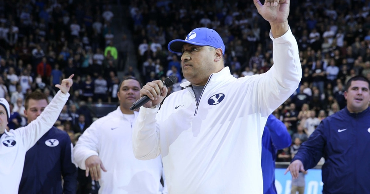 9088459-kalani-sitake-ncaa-basketball-pepperdine-brigham-young.vresize.1200.630.high.0