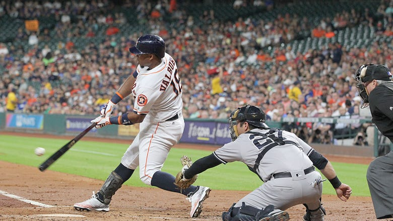 Report: The Los Angeles Angels to sign Luis Valbuena to Multiyear Deal