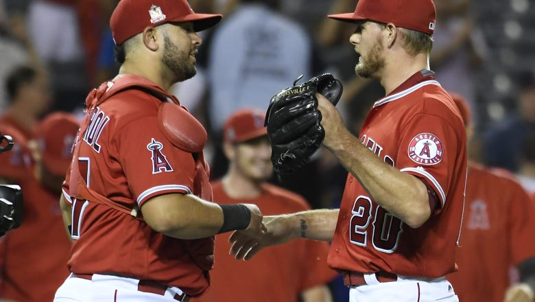 The Los Angeles Angels Claimed Juan Graterol off waivers.