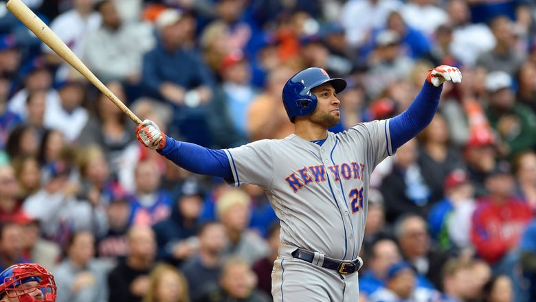 Texas Rangers Sign James Loney to Minor League Deal