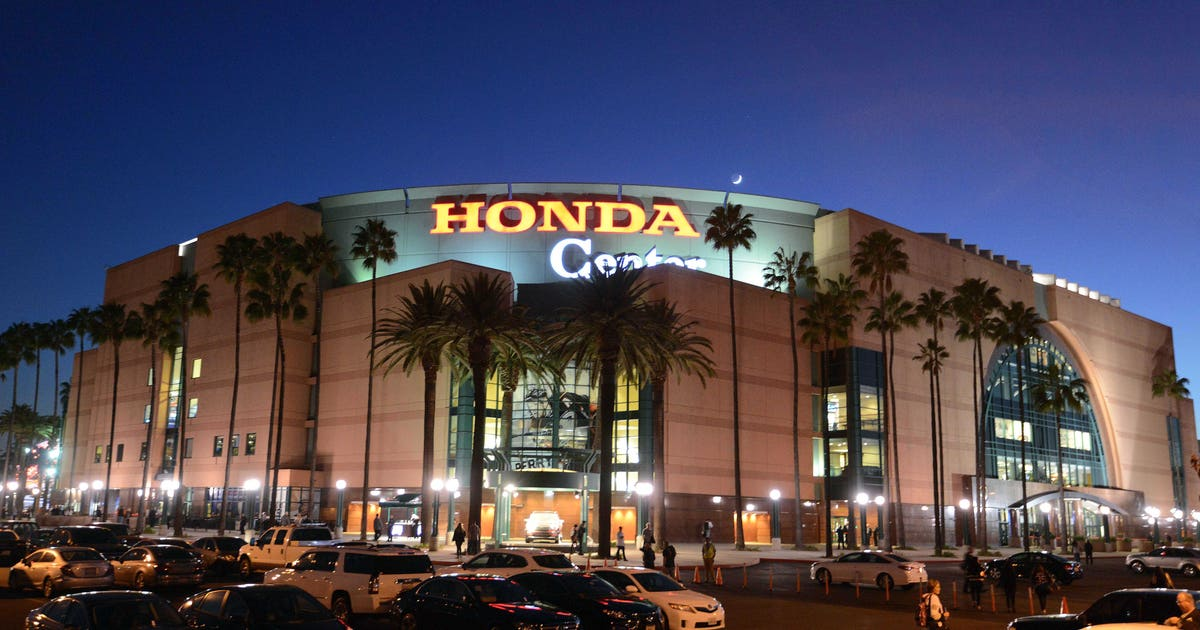 9650248-nhl-pittsburgh-penguins-at-anaheim-ducks.vresize.1200.630.high.0