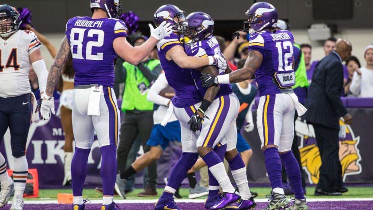 Minnesota Vikings defeat Chicago Bears 38-10 in week 17