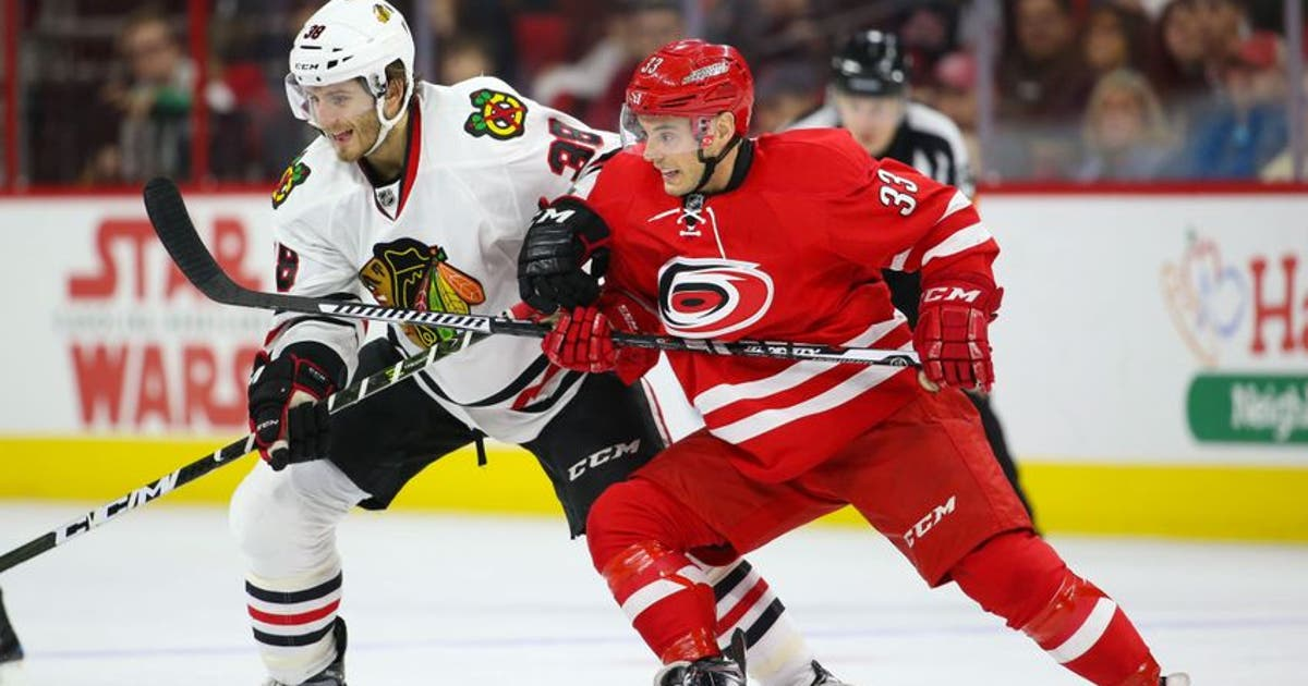 9789660-ryan-hartman-nhl-chicago-blackhawks-carolina-hurricanes-1.vresize.1200.630.high.0