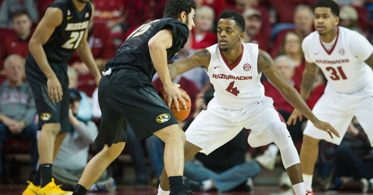 9810042-ncaa-basketball-missouri-at-arkansas.vresize.1200.630.high.0