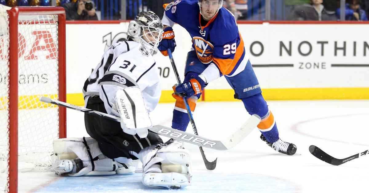 9829096-nhl-los-angeles-kings-at-new-york-islanders.vresize.1200.630.high.0
